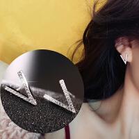 925银针微镶锆石v字耳环超闪学生短发小耳钉极简风耳饰女士 一对价(925银针)