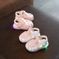 夏季新款女宝宝凉鞋包头软底婴儿学步公主亮灯鞋