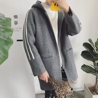 新款2018秋冬装中长款连帽毛呢大衣外套男士韩版宽松条纹呢子风衣