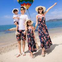 2019 亲子装夏装新款一家三口四口家庭装母女裙海边度假吊带连衣裙 图片色