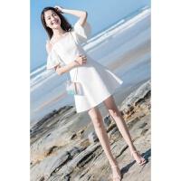 夏天穿的裙子漏肩连衣裙女夏2018新款小露香肩吊带裙 白色