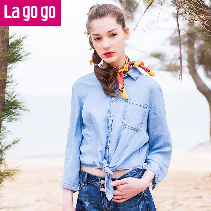 【两件5折后价129.5】Lagogo拉谷谷2017夏季新款纽扣口袋翻领不规则下摆七分袖牛仔衬衫