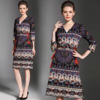 民族风连衣裙秋季新款七分袖印花中长款v领气质修身裙子
