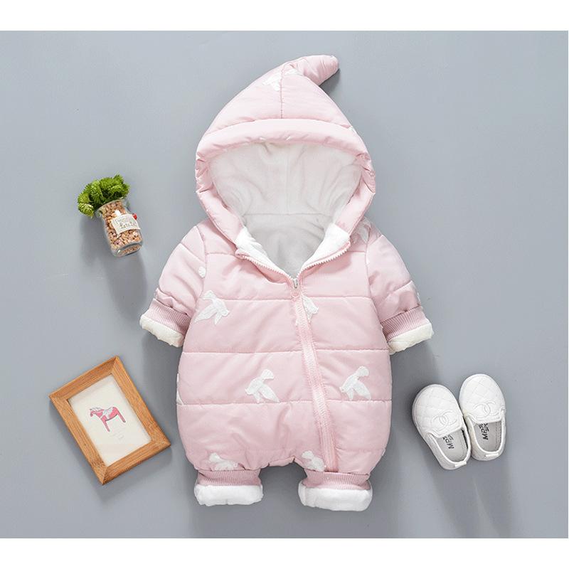 冬季女宝宝夹棉连体衣加绒加厚儿童棉衣男婴儿外出服羽绒冬装 发货周期:一般在付款后2-90天左右发货,具体发货时间请以与客服协商的时间为准