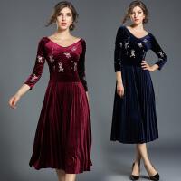 初秋女装新款秋冬季中年妈妈长袖打底时尚金丝绒连衣裙中长款