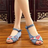 夏季新款布鞋女单鞋民族风绣花鞋坡跟时尚鱼嘴鞋凉鞋布凉鞋