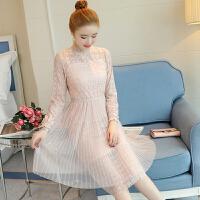 蕾丝连衣裙女2018春装新款韩版长袖修身中长款百褶裙吊带两件套潮
