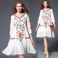 春夏款波西米亚连衣裙白色宽松中长款棉麻显瘦绣花大码长裙子