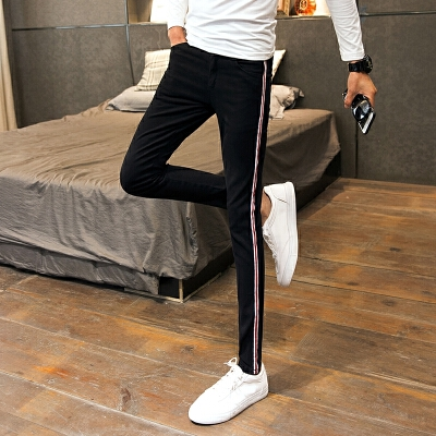 新品18春装新男士潮流时尚牛仔裤韩版修身青少年显瘦免烫小脚休闲 发货周期:一般在付款后2-90天左右发货,具体发货时间请以与客服协商的时间为准