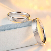 S925纯银情侣戒指男女生日韩版创意时尚对戒活口可调节刻字镶钻戒