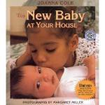 【预订】The New Baby at Your House