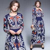 秋季新款女欧美明星同款长袖复古图腾印花高腰度假长裙连衣裙