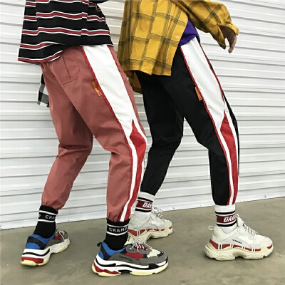 春夏季薄款裤子宽松休闲裤男士时尚拼色运动裤韩版潮流小脚束脚裤 发货周期:一般在付款后2-90天左右发货,具体发货时间请以与客服协商的时间为准