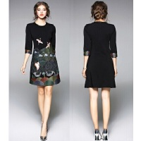 原创设计连衣裙秋冬新款秋装七分袖显瘦修身A字打底连衣裙子