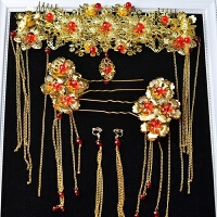 中式古装新娘饰品龙凤褂秀禾服红色凤冠簪子配饰结婚头饰套装