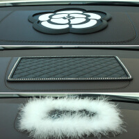 汽车防滑垫PVC菱格大号车用创意手机导航仪表台防滑垫