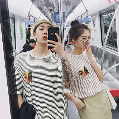 2018潮流情侣装夏装新款潮情侣短袖T恤男女学生条纹韩版上衣半袖 发货周期:一般在付款后2-90天左右发货,具体发货时间请以与客服协商的时间为准