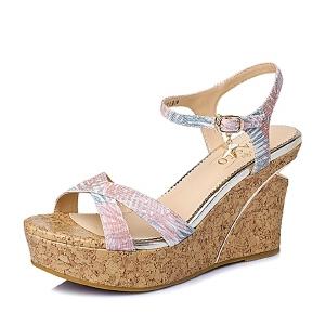 【鞋靴超级品类日】BASTO/百思图夏季专柜同款印花布坡跟女凉鞋TG505BL6