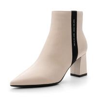 星期六(ST&SAT)冬季专柜同款绒面羊皮革尖头粗跟短靴SS84116047 黑色