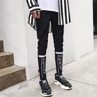 新品18春款男士潮流字母束脚牛仔裤韩版英伦修身青年社会小伙铅笔