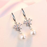 s925银简约个性耳环女气质贝珍珠镶钻精美耳钉时尚饰品