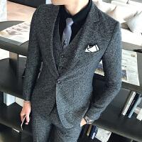 新品18秋冬新款男士韩版英伦修身西服套装潮流青年单排扣档三件套