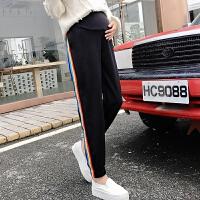 孕妇装2018秋装新款韩版款彩虹条休闲束脚外穿孕妇托腹裤长裤