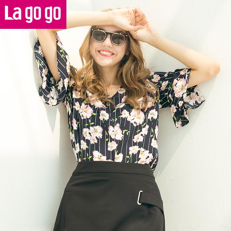 Lagogo2017年夏季新款V领衬衫修身喇叭袖雪纺衫印花条纹上衣女