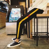 男士休闲裤韩版潮流春季2018新款条纹运动裤修身小脚裤保暖裤子男