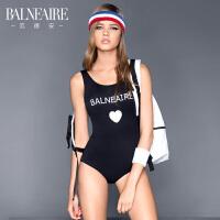 【全场包邮】范德安小胸保守遮肚三角连体泳衣女 修身显瘦性感运动学生游泳衣