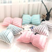 梨花球球蝴蝶结抱枕公主房装饰枕沙发靠背车用靠垫飘窗靠枕