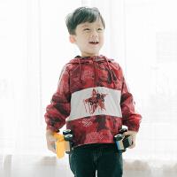 【尾品汇3件3折】帕丁猫童装2018秋季新款男童男宝休闲迷彩冲锋衣外套