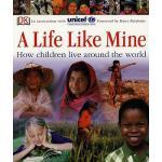 【预订】A Life Like Mine: How Children Live Around the