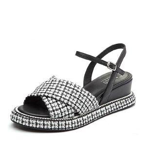 BASTO/百思图2018夏季专柜同款毛线布/羊皮革格纹坡跟女凉鞋TCN09BL8