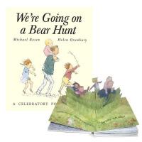【现货】英文原版 我们一起去捉狗熊吧 趣味立体书 We're Going on a Bear Hunt: A Cele
