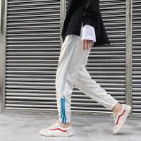 新品2018春夏休闲撞色条纹运动裤男士韩版宽松休闲束脚裤学生哈伦