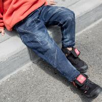 【尾品汇3件3折】帕丁猫童装2018冬季新款潮流时尚男童加绒牛仔长裤