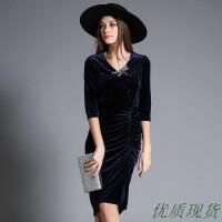 欧美风秋冬新款复古天鹅绒成熟气质修身收腰V领连衣裙子